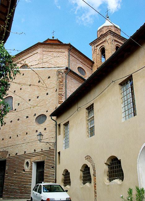 http://www.santarcangelodiromagna.info/wp-content/uploads/2016/02/12sx_Chiesa-SS-Caterina-e-Barbara-468x649.jpg