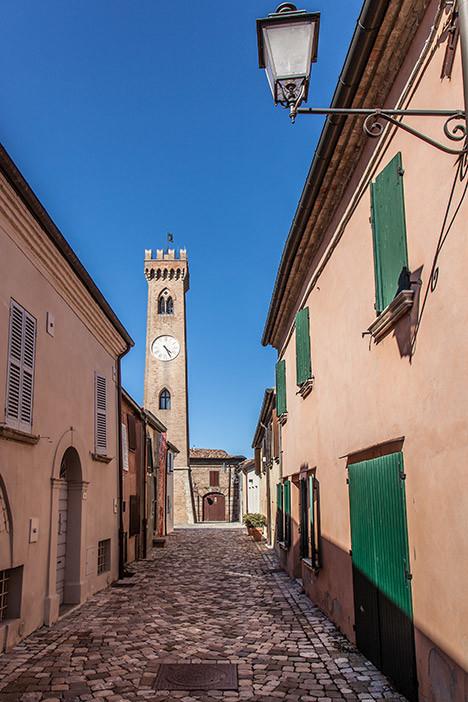 http://www.santarcangelodiromagna.info/wp-content/uploads/2016/02/centro-storico6-1-468x702.jpg