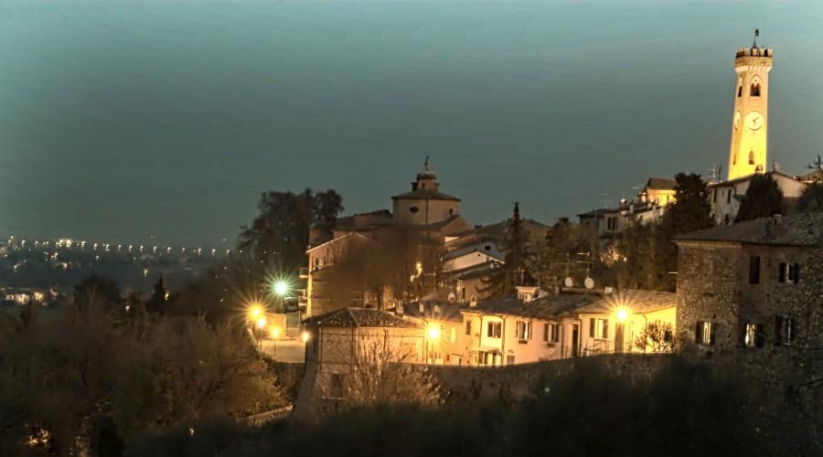 http://www.santarcangelodiromagna.info/wp-content/uploads/2016/03/Notturno-Santa-900x500.jpg